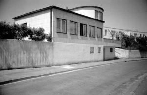 Fig. 16: Max Taut, Casa n. 22, Weissenhof, Stoccarda, 1927, Rathenaustraße 11, fronte