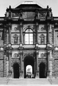 Abb. 16: Gottfried Semper, Dresden, Gemäldegalerie, Zwingerseite, Mittelrisalit