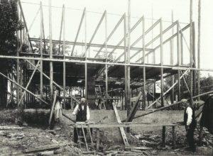 Fig. 20: Walter Gropius, Casa n. 17 in costruzione, Weissenhof, Stoccarda, 1927 (distrutta), Bruckmannweg 6