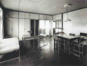 Fig. 22: Walter Gropius, Casa n. 17, Weissenhof, Stoccarda, 1927 (distrutta), Bruckmannweg 6, il soggiorno